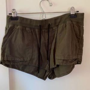 Aritzia community casual shorts